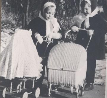 Kinder Anfang 70eer Kopie.JPG