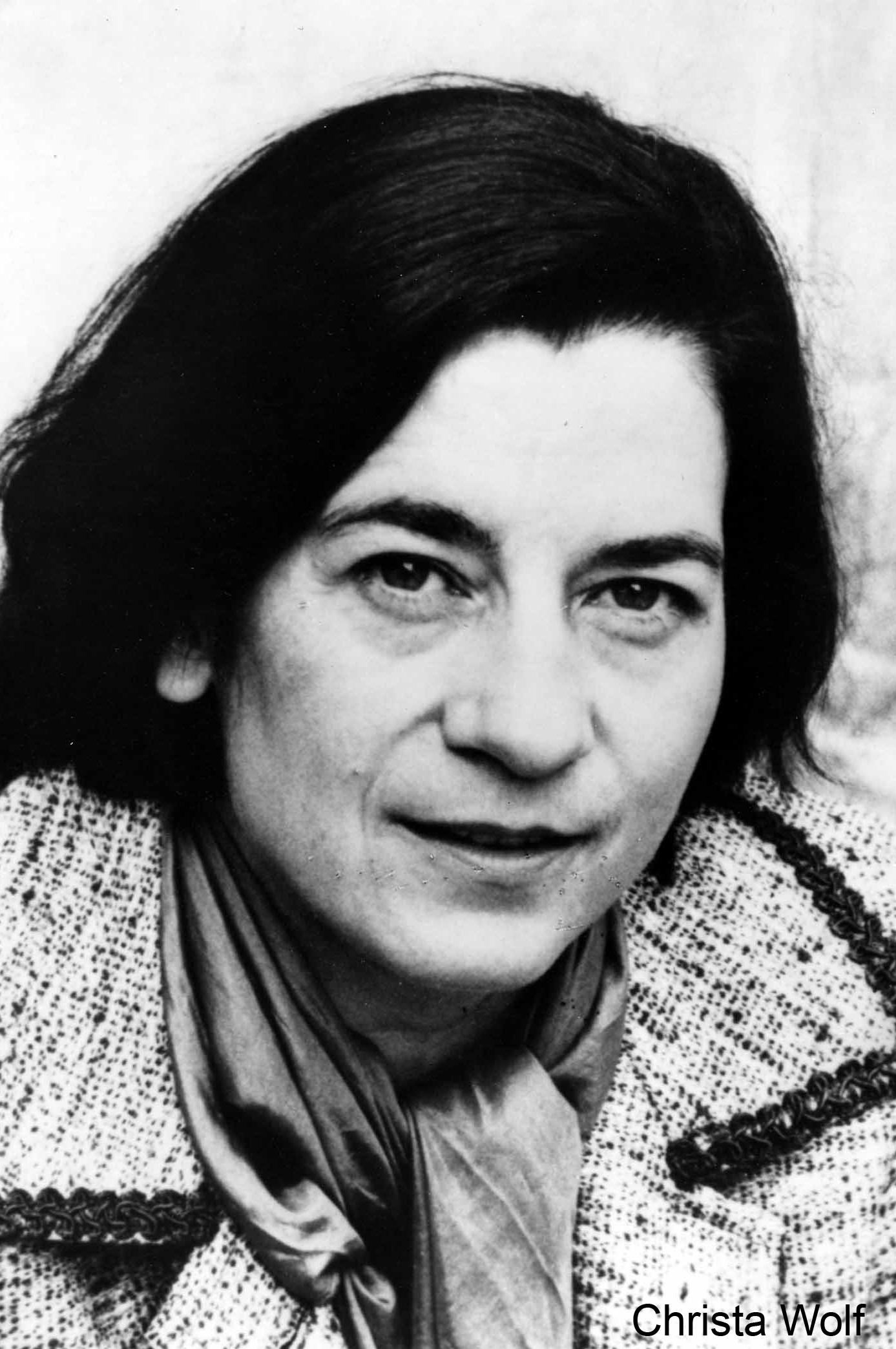 »Literatur entsteht überhaupt nur aus Widersprüchen,  sonst entsteht Langeweile.«  – Christa Wolf